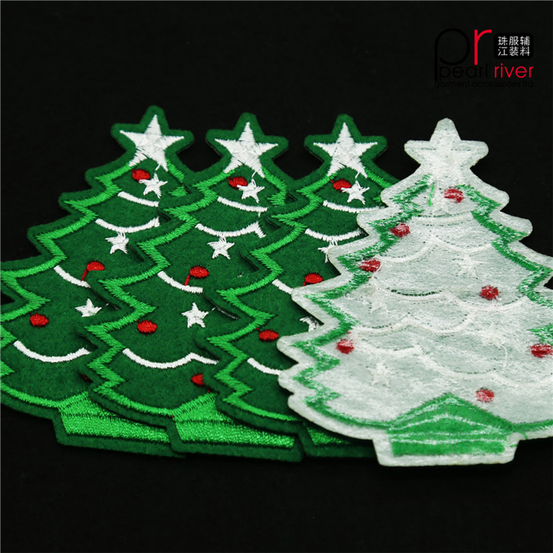 Green christmas tree embroidery patch with backside glue for decorations