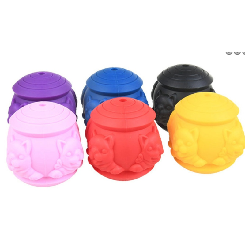 Silicone pet toys dog molar toy pet food leaking ball silicone bite Toy