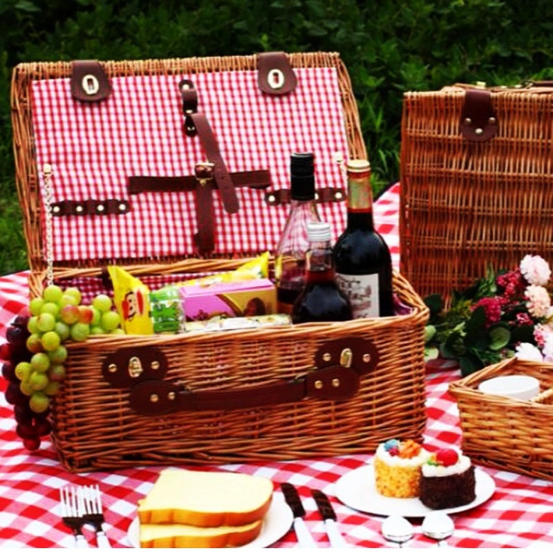 Willow Woven Picnic Basket/Chest
