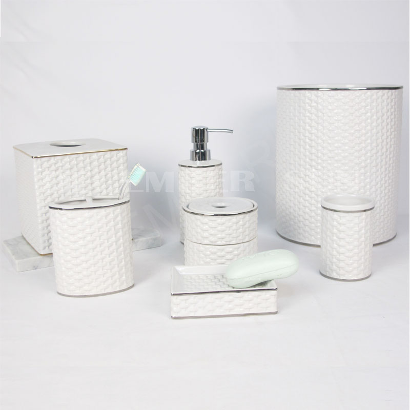 2020 Best price white porcelain bamboo weaving bathroom set accessories