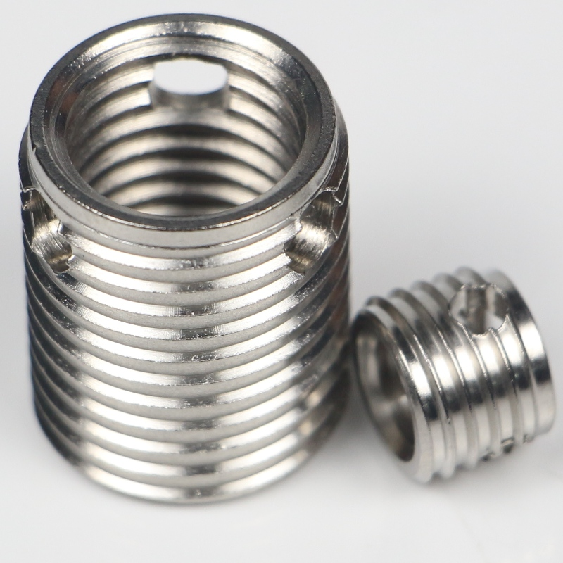 307 000 040.500 307 M4*0.7*6.5*0.8*6L self-tapping thread inserts with 3holes without burrs 500K stock
