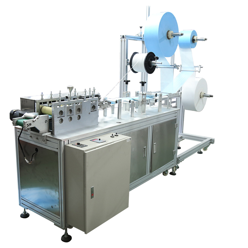Foreign customer\'s agent come for inspection of disposable mask making machine